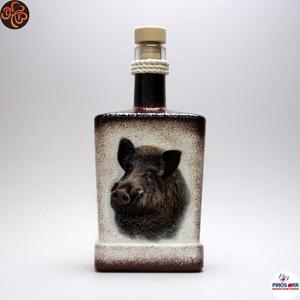 Vadász - vaddisznó motívummal - italos flaska, Otthon & Lakás, Dekoráció, Díszüveg, Decoupage, transzfer és szalvétatechnika, Vadász - vaddisznó motívummal - italos flaska ( 0,5l )  \nA VADÁSZAT ÉS A TERMÉSZET SZERELMESEINEK.\n\n..., Meska