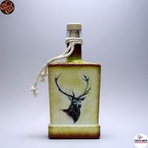 Vadász - szarvas képpel - italos üveg ; A vadászat szerelmeseinek , Otthon & Lakás, Dekoráció, Díszüveg, Decoupage, transzfer és szalvétatechnika, Vadász - szarvas képpel - italos üveg ( 0,5l ) \nA vadászat és természet szerelmeseinek .\nSaját trófe..., Meska