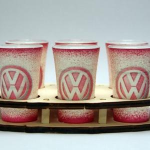 VOLKSWAGEN pohár készlet ; Volkswagen autód fényképével is!, Otthon & Lakás, Konyhafelszerelés, Pohár, Decoupage, transzfer és szalvétatechnika, VOLKSWAGEN pohár készlet ( 6 x 45ml +fatartó )\n\nA saját Volkswagen autód fényképével is! \nAjándék sz..., Meska
