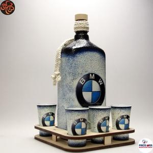 BMW ital készlet ; BMW rajongóknak, apa, testvér, barát számára, Otthon & Lakás, Dekoráció, Díszüveg, Decoupage, transzfer és szalvétatechnika, BMW ital készlet ( 1l + 6 x 45ml + fatartó ) ;\n\nIgazán egyedi BMW ajándék férfiaknak, apának, nagypa..., Meska