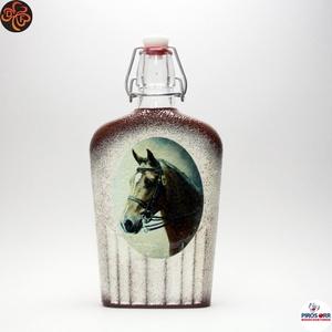 Ló - lovas pálinkás csatosüveg ; Lovak kedvelőinek, Otthon & Lakás, Dekoráció, Díszüveg, Decoupage, transzfer és szalvétatechnika, Ló - lovas pálinkás csatosüveg ; Lovak kedvelőinek ( 0,5 l );\nA lovaglás szerelmeseinek . Saját lova..., Meska