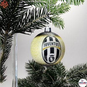 Karácsonyfadísz Juventus ; Ajándék férfi, fiú, barát, Juventus szurkoló részére, Karácsony & Mikulás, Karácsonyfadísz, Decoupage, transzfer és szalvétatechnika, Karácsonyfadísz Juventus emblémával 7,5 cm ; Ajándék férj, barát, nagyapa, Juventus szurkoló részére..., Meska