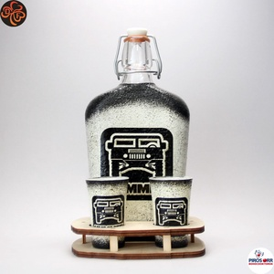 HUMMER italszett ; amerikai autó kedvelő férfiaknak, Otthon & Lakás, Dekoráció, Díszüveg, Decoupage, transzfer és szalvétatechnika, HUMMER italszett ; amerikai autó kedvelő férfiaknak ( 0,5l + 2 x 45ml + fatartó )\n\nIgazán egyedi ajá..., Meska