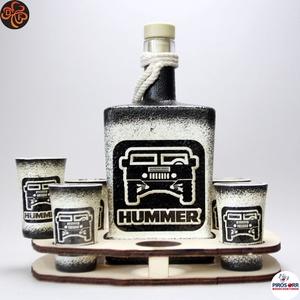 HUMMER italszett ; amerikai autó kedvelő férfiaknak, Otthon & Lakás, Dekoráció, Díszüveg, Decoupage, transzfer és szalvétatechnika, HUMMER italszett ; amerikai autó kedvelő férfiaknak ( 0,5l + 6 x 45ml + fatartó )\n\nIgazán egyedi ajá..., Meska