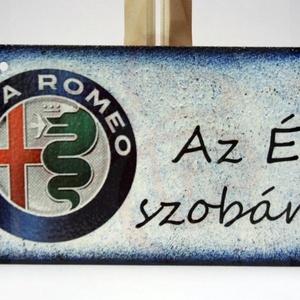 Alfa Romeo fatábla ; Alfa Romeo rajongóknak, Otthon & Lakás, Dekoráció, Ajtódísz & Kopogtató, Alfa Romeo fatábla AZ ÉN SZOBÁM felirattal A saját autód fotójával is elkészítjük.  Ha szeretnél egy..., Meska