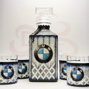 BMW whiskys készlet ; BMW kedvelő férfiaknak, Otthon & Lakás, Konyhafelszerelés, Pohár, Decoupage, transzfer és szalvétatechnika, BMW whiskys készlet ( üveg +4 pohár ) \n\nIgazán egyedi BMW ajándék, férfiaknak születésnapra, névnapr..., Meska