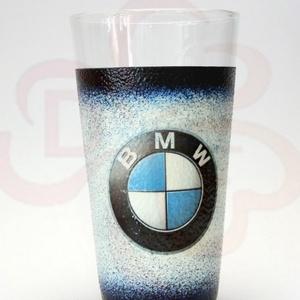 BMW üdítős pohár ; BMW rajongóknak, Otthon & Lakás, Konyhafelszerelés, Pohár, Decoupage, transzfer és szalvétatechnika, BMW üdítős pohár ( 0,3l )\nA saját autód fotójával is elkészítjük.\n\nIgazán egyedi BMW ajándék, szület..., Meska