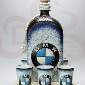 BMW ajándék családi készlet ; A saját BMW autód fotójával is! , Otthon & Lakás, Dekoráció, Díszüveg, Decoupage, transzfer és szalvétatechnika, BMW nagy pálinkás szett ( 1 l üveg + 6 x 45 ml pohár + fatartó  ) ;\n\nIgazán egyedi BMW ajándék, férj..., Meska