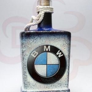 BMW italos, whiskys üveg ; BMW rajongóknak, Otthon & Lakás, Dekoráció, Díszüveg, Decoupage, transzfer és szalvétatechnika, BMW emblémás italos, whiskys üveg ( 0,5l  ) ;\n\nIgazán egyedi BMW ajándék, whiskyt, pálinkát kedvelő ..., Meska