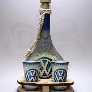 VOLKSWAGEN pálinkás szett ; Volkswagen autód fényképével is!, Otthon & Lakás, Dekoráció, Díszüveg, Decoupage, transzfer és szalvétatechnika, Meska