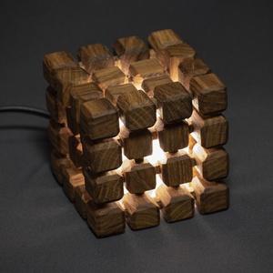 Cube, Otthon & lakás, Dekoráció, Lakberendezés, Lámpa, Asztali lámpa, Hangulatlámpa, Famegmunkálás, Kézzel készült, egyedi éjjeli / hangulatlámpa.\nEz a kőrisből készült minimalista lámpa tökéletes han..., Meska