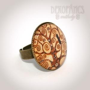 Klimt fája gyűrű, Ékszer, Gyűrű, Ékszerkészítés, A gyűrű díszéül Klimt képét választottam, üveglencsére ragasztottam, amit bronz színű gyűrűalapra r..., Meska