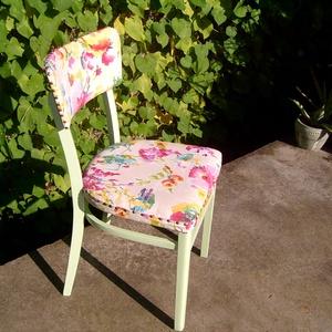 zöld kárpitozott szék, Bútor, Otthon & lakás, Szék, fotel, Lakberendezés, Dekoráció, Festett tárgyak, Újrahasznosított alapanyagból készült termékek, Régi irodai szék shabby chic stílusban felújítva újrakárpitozva. Normál méretű, súlya 4 kg...., Meska