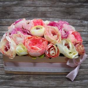 Pasztell virágbox, Otthon & lakás, Dekoráció, Dísz, Lakberendezés, Asztaldísz, Virágkötés, Pasztell virágkompozíciót álmodtam meg ebbe a világos arany színű dobozba, mely remek ajándék lehet ..., Meska