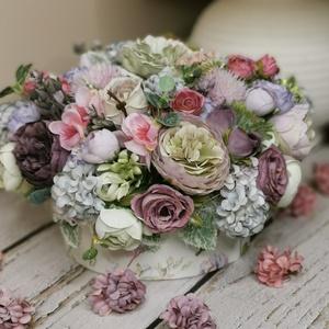 Paztell virágdoboz, Otthon & Lakás, Dekoráció, Díszdoboz, Virágkötés, Virágözön dobozba zárva! Születésnapra, névnapra, vendégségbe, bármilyen alkalommal megállja a helyé..., Meska