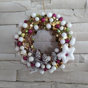 Karácsonyi ajtódísz, kopogtató, flitteres, kb 18 cm, Otthon & Lakás, Karácsony & Mikulás, Karácsonyi kopogtató, Virágkötés, Karácsonyi ajtódísz, kopogtató. Flitteres aranyszínű vesszőalap, apró téli díszekkel, hamvas csillag..., Meska