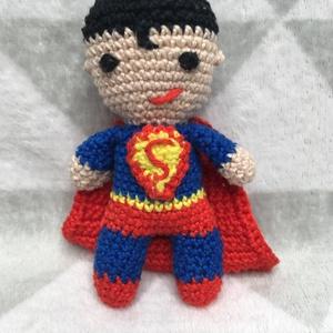 Amigurumi, horgolt szuperhős figurák, Batman/Superman, Ember, Plüssállat & Játékfigura, Játék & Gyerek, Horgolás, 100% pamutfonalból horgolt szuperhősök, akár egészen pici babáknak is.\nLegyen Batman vagy Superman g..., Meska