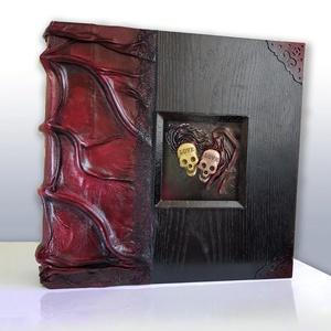 Luxury skull  love fotóalbum, Otthon & lakás, Naptár, képeslap, album, Fotóalbum, Esküvő, Bőrművesség, Az album egy gótikus esküvő gyönyörű darabja. \nElegáns, különleges, egyedi!\nMeghökkentő esküvők, hal..., Meska