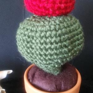 Kaktusz cserépben, bohóc orr, Csokor & Virágdísz, Dekoráció, Otthon & Lakás, Horgolás, Fantasztikus ajándék, vagy akár saját lakásod kedves díszítő eleme lehet ez a mese szép mini kaktusz..., Meska