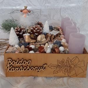 Adventi asztal dísz , Otthon & lakás, Dekoráció, Ünnepi dekoráció, Karácsony, Karácsonyi dekoráció, Gravírozás, pirográfia, Adventi asztal dísz, fa dobozban pirograf technikával díszítve az oldala. A fa egy rétegben színtele..., Meska