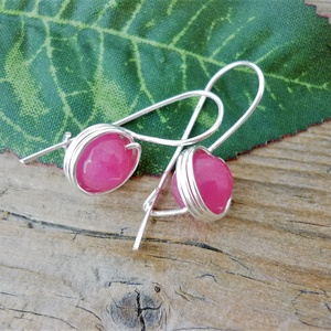 Hurkos pink achát fülbevaló, Ékszer, Fülbevaló, Táska, Divat & Szépség, Ékszerkészítés, Egyszerű és biztonságos fülbevalót készítettem 8mm-es fazettált élénk pink achát gyöngyből és ezüst ..., Meska