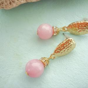 Goldie Rose - morganit ásvány fülbevaló , Ékszer, Fülbevaló, Ékszerkészítés, Elegáns, nőies fülbevaló készült 10mm-es csiszolt, rózsaszín morganit gyöngyből. Aranyozott, texturá..., Meska
