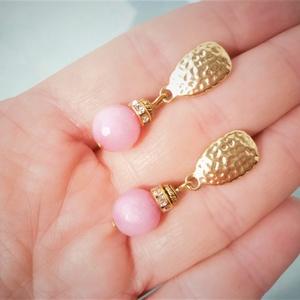 Goldie Rose - morganit ásvány fülbevaló , Ékszer, Fülbevaló, Lógós fülbevaló, Ékszerkészítés, Elegáns, nőies fülbevaló készült 10mm-es csiszolt, rózsaszín morganit gyöngyből. Aranyozott, texturá..., Meska
