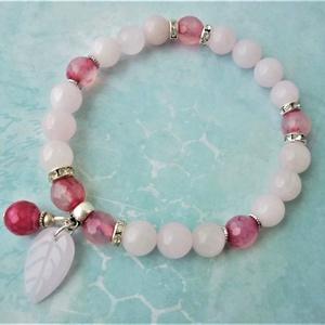 Kikelet - rózsakvarc/pink achát karkötő , Ékszer, Karkötő, Ékszerkészítés, Rózsakvarc gyöngyöket kombináltam pink achát gyönygyökkel, hogy kicsit változatosabb legyen. A csill..., Meska
