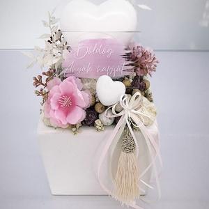 Anyák napi  asztaldísz, Otthon & Lakás, Dekoráció, Asztaldísz, Virágkötés, Kerámia kaspóba gyönyörű selyem virágokat és dekorokat tettem.\nA postaköltségek a mindenkori díjszab..., Meska
