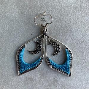 Luna fonal fülbevaló (élénk kék) - ékszer - fülbevaló - lógó csepp fülbevaló - Meska.hu