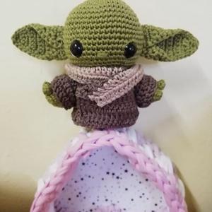 Horgolt Baby Y. figura, Otthon & lakás, Dekoráció, Horgolás, Hímzés, Amigurumi horgolási technikával készül Yoda figura, 100% pamut fonalból.\n\nMagassága: kb. 11 cm.\n\n\n..., Meska
