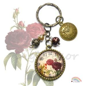 Vintage hangulatú, romantikus, rózsás órás kulcstartó bronz színben, gyöngyökkel díszítve, órás fityegő, régies rajz, Ékszer, Mobilékszer, Egyéb, Kulcstartó, táskadísz, Táska, Divat & Szépség, Ékszerkészítés, Fotó, grafika, rajz, illusztráció, Vintage hangulatú, rózsás-órás kulcstartó. \nTöbbféle mintával kérhető (lásd a második képet)\n\nA kép ..., Meska