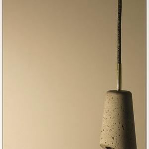 Design beton lámpa függeszték, Lakberendezés, Otthon & lakás, Lámpa, Fali-, mennyezeti lámpa, Hangulatlámpa, Kőfaragás, Szobrászat, Tedd egyedivé otthonodat, irodádat, vagy add ajándékba :)\nLegújabb design magyar manufaktúrából.\nKéz..., Meska
