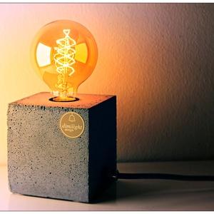 """Design beton asztali lámpa \""""kocka\"""", Asztali lámpa, Lámpa, Otthon & Lakás, Szobrászat, Design beton lámpa, színtiszta betonból.\nEgyedi elképzelés szerint választható a színe és a kábel sz..., Meska"""