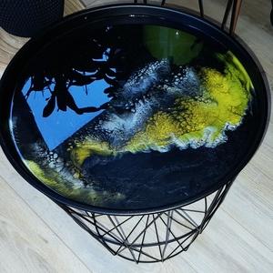 Sárga-fekete epoxy gyanta dohányzóasztal , Otthon & Lakás, Lakberendezés, Festészet, Modern és egyben praktikus asztalka, melyben plédek, újságok, vagy éppen fényfüzérek tárolhatóak, de..., Meska