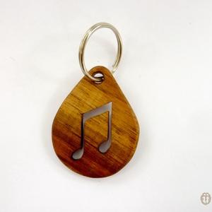 """Hangjegyek mintájú faragott kulcstartó, ajándék zenetanárnak, Egyéb, Táska, Divat & Szépség, Kulcstartó, táskadísz, Famegmunkálás, Zenészeknek, zenebarátoknak való mutatós, vicces ajándék.\n\nFából faragott kulcstartónkon egy \""""titi\"""" ..., Meska"""