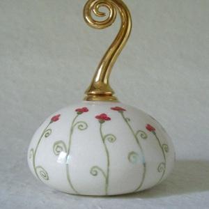 parfümös palack, Dezodor & Parfüm, Szépségápolás, Kerámia, A nyár hangulatát idézi a virágzó mályvavirág dekor és a spirális hamvaszöld levélkék a parfümös pal..., Meska