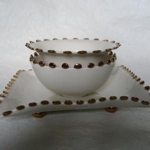 Csipkés porcelán tálalók, Otthon & lakás, Konyhafelszerelés, Lakberendezés, 3 darabos csipkés,óarany szélű, porcelán tálaló szett, mely egyszerűségével impozánssá teheti az ünn..., Meska