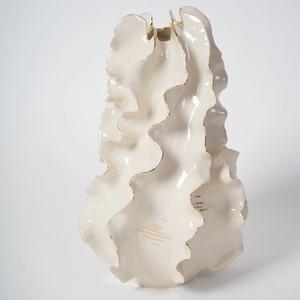 Tengeri áramlat váza, Otthon & lakás, Képzőművészet, Szobor, Lakberendezés, Esküvő, Kerámia, Ez a tárgy egy kiállítási darab, mely egy különleges technikával készült papírporcelánból. Egybe szo..., Meska