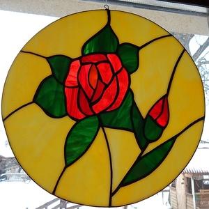 Rózsás tiffany üveg ablak kép, Otthon & Lakás, Dekoráció, Ablakdísz, Tiffany technikával készített 29 cm átmérőjű ablakdekoráció. Szépen játszik rajta a fény. Halvány sá..., Meska