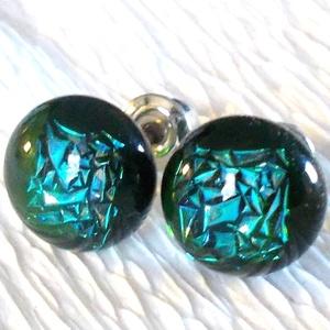 Kék-zöld gyémántfény  fülbevaló, ajándék  névnapra, születésnapra., Ékszer, Ruha, divat, cipő, Fülbevaló, Nyaklánc, Ékszerkészítés, Üvegművészet, Olvasztásos technikával készült, ez az ellenállhatatlan  kristályos fülbevaló.  Csúcsminőségű  kéke..., Meska