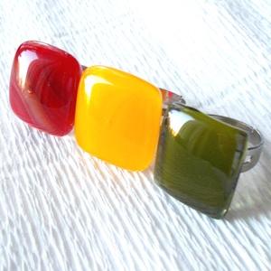AKCIÓ! Színes gyűrű csomag, ajándék  lányoknak valentin napra, névnapra, születésnapra., Ékszer, Gyűrű, Medál, Lábgyűrű, Üvegművészet, Ékszerkészítés, Olvasztásos technikával készült gyűrűk színes választéka. Olíva, sárga és piros színű üvegből készí..., Meska