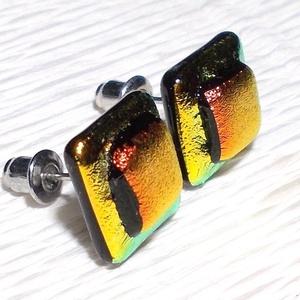 Univerzum dichroic  fülbevaló, ajándék névnapra, születésnapra., Ékszer, Fülbevaló, Ékszerszett, Medál, Ékszerkészítés, Üvegművészet, Olvasztásos technikával készült fülbevaló. Csúcsminőség arany és vörös dichroic  üvegből olvasztott..., Meska