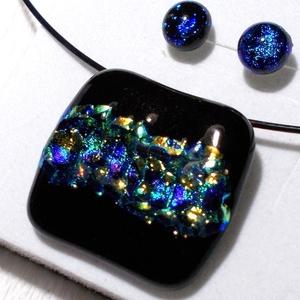 Kék-türkiz-arany mintás ékszerszett , ajándék nőknek, lányoknak, karácsonyra, névnapra, születésnapra., Ékszer, Ballagás, Ékszerszett, Fülbevaló, Ékszerkészítés, Üvegművészet, Fusing technikával készült üvegmedál és fülbevaló. Fekete és kék-türkiz-arany mintás csillogó dichr..., Meska