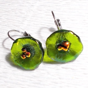 Zöld hunyor, dichroic  fülbevaló, ajándék névnapra, születésnapra., Ékszer, Medál, Fülbevaló, Ékszerszett, Ékszerkészítés, Üvegművészet, Olvasztásos technikával készült különleges  fülbevaló. Csúcsminőségű zöld üvegből olvasztottam virá..., Meska