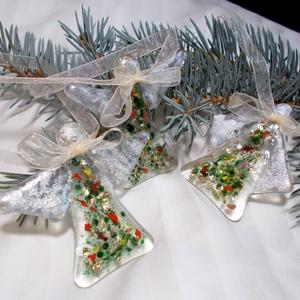 Angyalkák ezüstben, aranyban., Karácsonyi, adventi apróságok, Baba-mama-gyerek, Karácsonyi dekoráció, Karácsonyfadísz, Mindenmás, Üvegművészet, Csillogó zöld-arany ruhába öltöztettem az angyalkákat, szárnyaikat ezüsttel fényesítettem. Díszdobo..., Meska