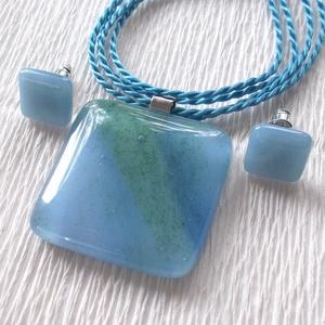 KÉSZLETKISÖPRÉS !  Kék-zöld hullámok üvegékszer szett, ajándék  lányoknak szalagavatóra, névnapra, születésnapra. (Dittiffany) - Meska.hu