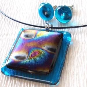 Dichroic fényjáték, nyaklánc és fülbevaló  , ajándék  nőknek, névnapra, születésnapra., Ékszer, Ékszerszett, Nyaklánc, Fülbevaló, Ékszerkészítés, Üvegművészet, Fusing technikával készült üvegmedál és fülbevaló.\nÁttetsző kék alapon, kék-arany mintás csillogó di..., Meska