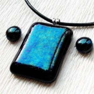 Smaragd kék-zöld fúzió medál ajándék fülbevalóval , ajándék névnapra születésnapra., Ékszer, Fülbevaló, Ékszerszett, Medál, Fusing technikával készült medál. Kék, zöld színű dichroic üvegből olvasztottam, kérheted sodronyra,..., Meska