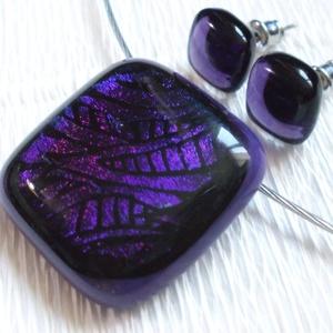 Levendula ragyogás medál és fülbevaló, ajándék nőknek névnapra, születésnapra., Ékszer, Ékszerszett, Fülbevaló, Ékszerkészítés, Üvegművészet, Olvasztásos technikával készült medál és fülbevaló.\nCsúcsminőségű sötét lila mintás dichroic ékszerü..., Meska
